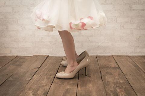 子供の頃履いていた大き過ぎる靴が指上げ足の原因かも!