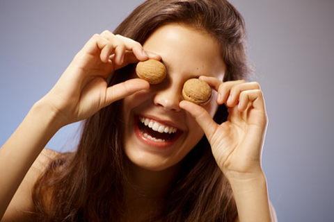 オメガ3を多く含むクルミのダイエット・美容効果に期待が高まります!