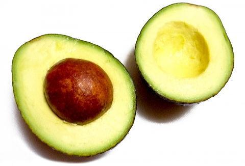 カリウム豊富なアボカドもむくみに効く食べ物のひとつ