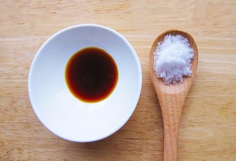 むくみやすいなら、塩分は控えめに。