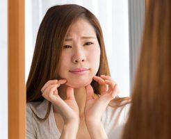 朝、鏡を見たら顔がパンパンに浮腫んでた・・・。