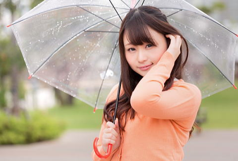 雨の日は湿気で髪がうねりやすい・・・。