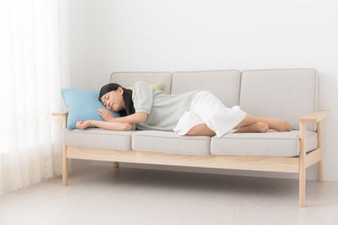 食後の15分程度のごろ寝で痩せられるなんて!