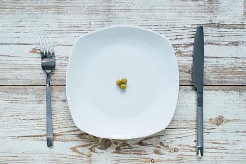 極端にタンパク質が不足した食事