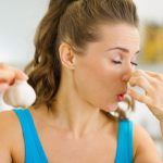 食事で体臭を改善!臭くなる食べ物と体臭を消す食べ物とは?