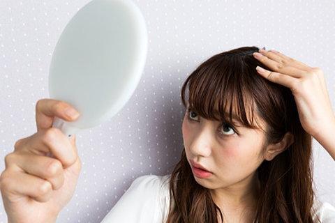 脂漏性脱毛症に悩む女性