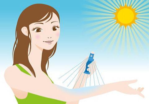 紫外線の強さに関係なく日焼け止めスプレーは外出の際の必須アイテム