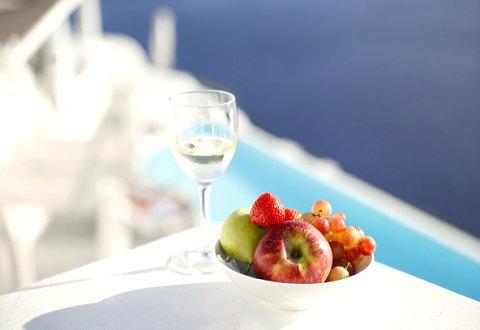 日焼けした肌にはフルーツや野菜でビタミンを補給!