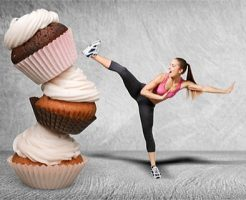 GLP-1の食欲抑制作用で甘いお菓子の誘惑にも負けない女性